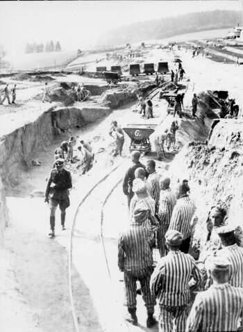 Mauthausen, 1942